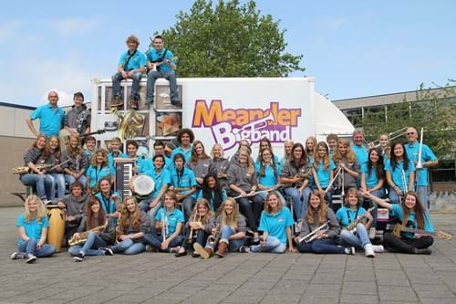Meander BigBand met bus